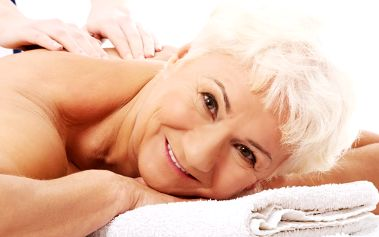 60min. masážní balíček pro seniory pro 1 osobu, masáže dle výběru + možnost 10min. zábalu