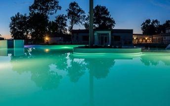 Relaxační wellness pobyt pro dva s polopenzí v termálních láních, bazén aj.