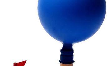 Dřevěná hračka poháněná balónkem - loďka