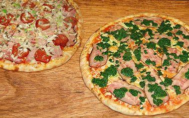 Dvě pizzy z nabídky pizzerie Tornado