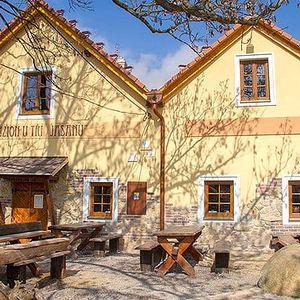 3–5denní pobyt pro 2 s polopenzí a neomezeným vínem u Znojma v penzionu U Tří jasanů