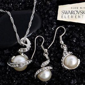 Oboustranné náušnice dle výběru - několik druhů a barev či pozlacený set s krystaly a perlou