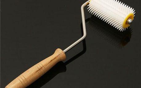 Odvíčkovací plastový váleček pro včelaře - 32 cm