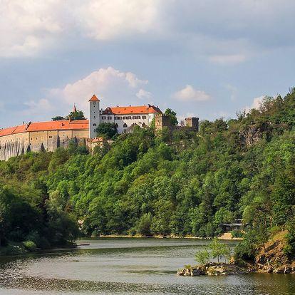 Chalupa u Vranova pro celou partu: bazén i sauna