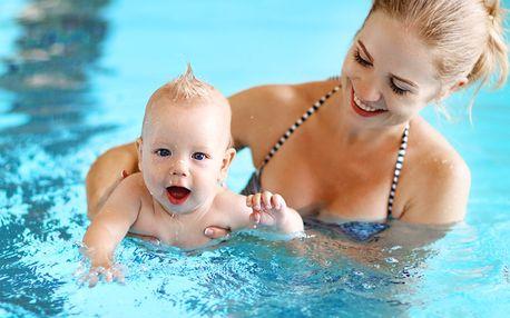 Lekce plavání pro kojence a batolata