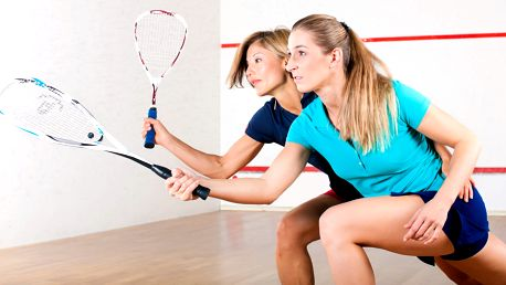 60 minut squashe nebo badmintonu pro 2 hráče
