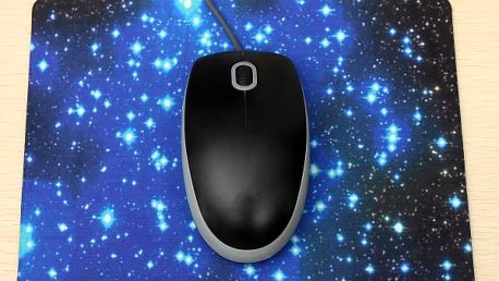 Podložka pod myš s motivem hvězdné oblohy