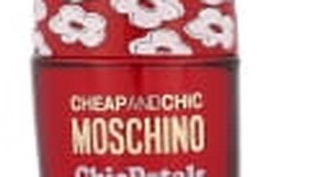 Moschino Cheap And Chic Chic Petals 30 ml toaletní voda pro ženy