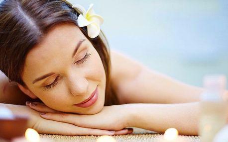 Bambusová masáž: uvolní svaly a uleví od otoků