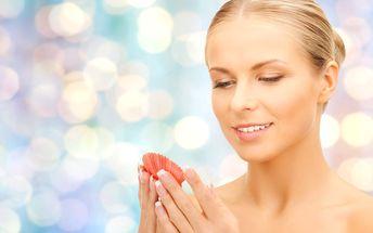 Ošetření mořskou kosmetikou a masáž mušlemi