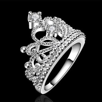 Překrásně zdobený prsten s motivem koruny