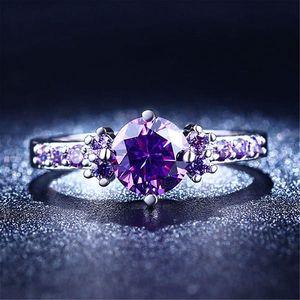 Dámský prsten ve fialovém provedení s kamínkem