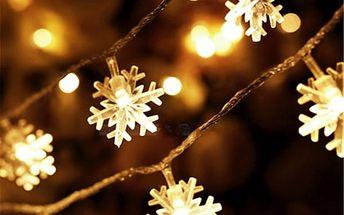 Světelný LED řetěz s motivem sněhových vloček