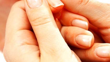 Krásné nehty, japonská manikúra P-shine v pražském salonu Beauty. Vhodné pro muže i ženy.