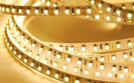 Páska s 600 LED světýlky