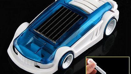 Autíčko poháněné slanou vodu a solárním pohonem