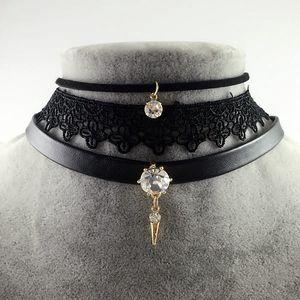 Sada choker náhrdelníků s přívěsky - černá a růžová