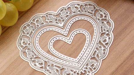 Šablona na vyřezávání ve tvaru srdce