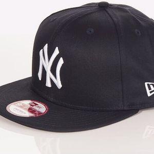 Kšiltovka New Era 950 MLB 9FIFTY NEYYAN M/L Černá