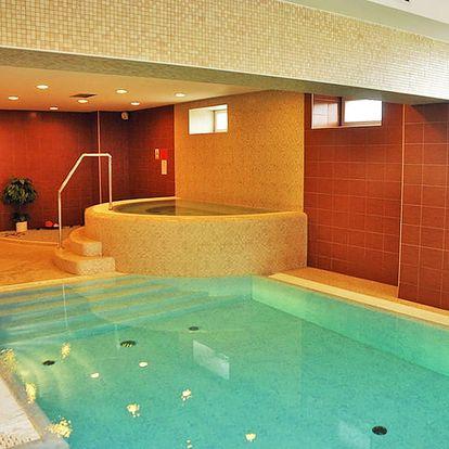 Jarní a letní dovolená v Beskydech pro DVA s polopenzí a wellness v Hotelu Hukvaldy