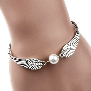 Dámský náramek s andělskými křídly a perlou - dodání do 2 dnů