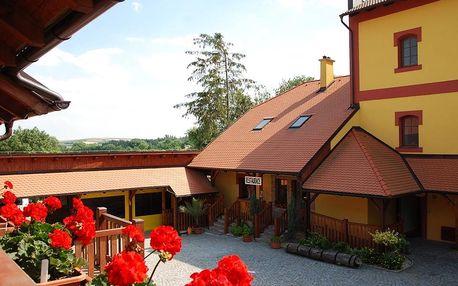 Morava - vinařský pobyt na 3-5 dní pro dva: snídaně, víno neomezeně a Aqualand se slevou