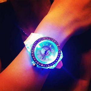 Duhově svíticí náramkové hodinky