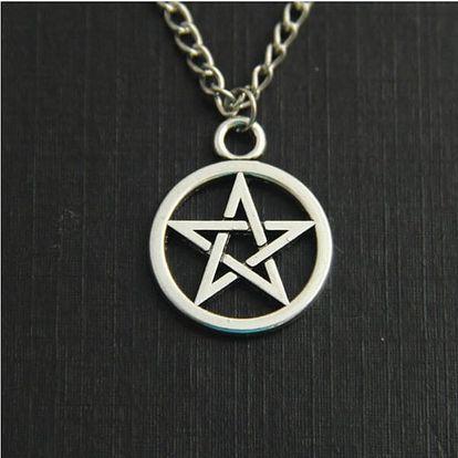 Náhrdelník s pentagramem