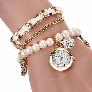 Vícevrstvé hodinky s umělými perličkami