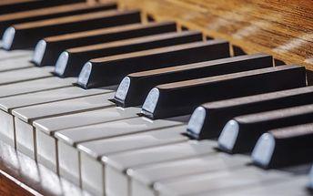 Vstupenka na koncert v Zrcadlové kapli Klementina v podání Dvořák Symphony Orchestra Prague.