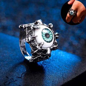 Zajímavý prsten s motivem velkého zlého oka
