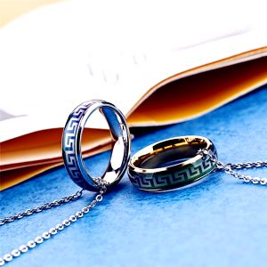 Zajímavě zabarvené prstýnky pro něho i pro ni