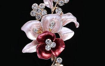 Dámská brož v podobě růžové květiny