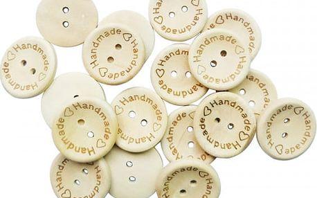 Dřevěné knoflíčky k našívání se srdíčkem a nápisem Handmade - 100 kusů