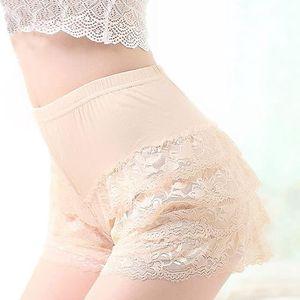 Dámské retro modální kalhotky s krajkami