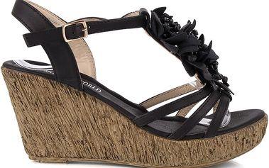 Sandálky na klínku MD7095-1B 38
