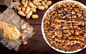 1800 g radosti: dort plný arašídů a karamelu
