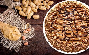1700 g radosti: dort plný arašídů a karamelu