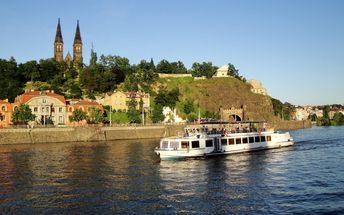 Hodinová plavba historickým centrem Prahy pro 1 osobu včetně nápoje, dítě do 6 let zdarma