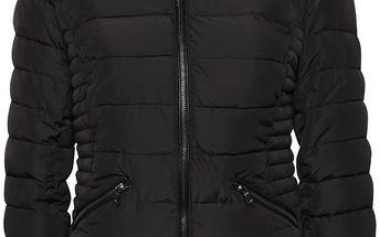 Černá prošívaná bunda s kapucí s umělým kožíškem Tally Weijl
