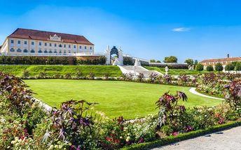 Velikonoční trhy na zámku Hof v Rakousku