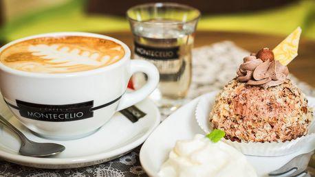 Káva a dezert v kočičí kavárně v srdci města