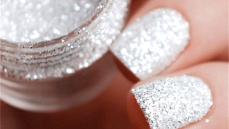 Třpytivý prášek na zdobení nehtů - stříbrné odstíny