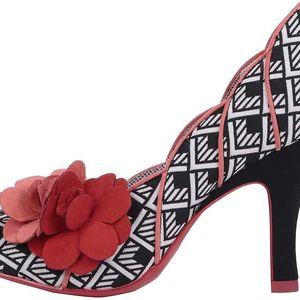 Červeno-černé vzorované lodičky s květinou Ruby Shoo April