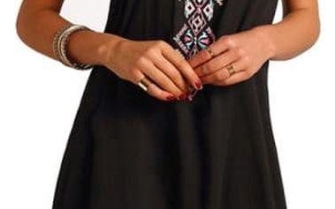 Černé letní šatičky s geometrickými tvary