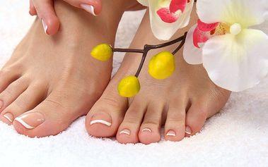 Pedikúra včetně masáže, zábalu či reflexní masáže