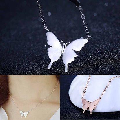 Náhrdelník s přívěskem motýlka - dvě barvy