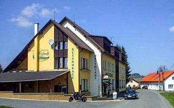 Český les s polopenzí, bowlingem a koly