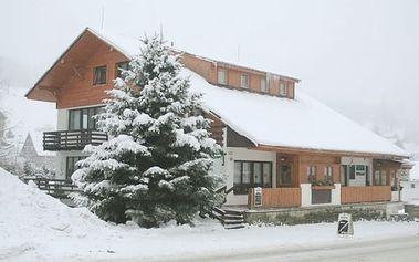 Krkonoše - 3 dny pro 2 osoby se snídaní a štrúdlem v Rokytnici nad Jizerou. Zima ještě nekončí.