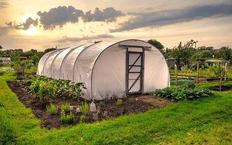 15% slevový kupón na zahradní fóliovníky